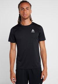 ODLO - CREW NECK CERAMICOOL ELEMENT - Basic T-shirt - black - 0