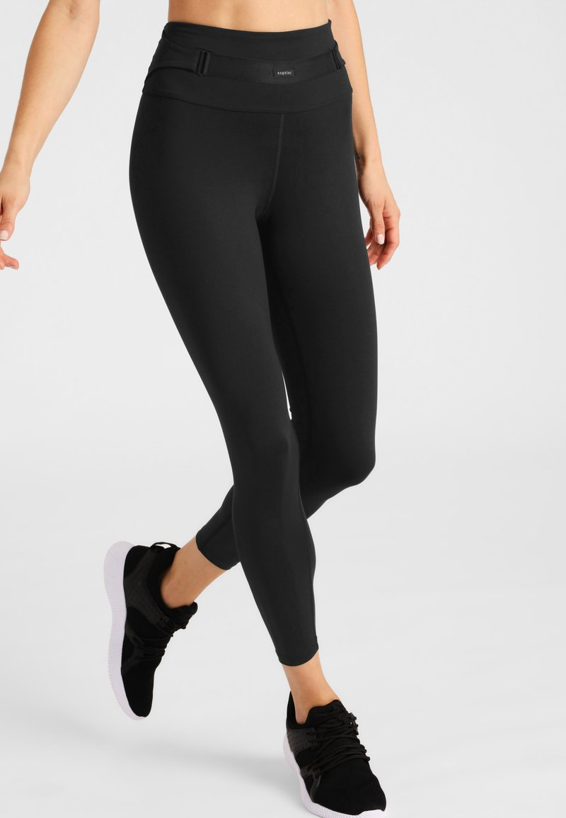 Daquïni - SKYE CROP - Leggings - black