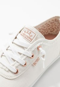 Skechers - BOBS CUTE - Trainers - white - 2