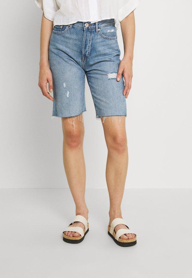 ONLFINE LIFE - Denim shorts - light blue denim