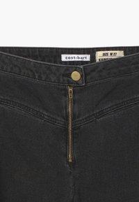 Cost:bart - KAMEIRA - Straight leg jeans - black - 3