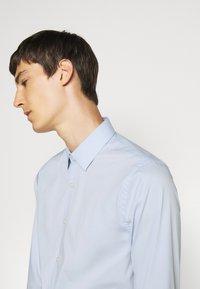 Tiger of Sweden - FILBRODIE - Formal shirt - light blue - 5