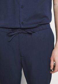 Frescobol Carioca - SPORT - Pantalon classique - dark blue - 6