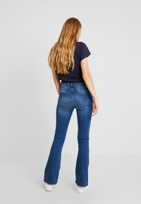 Noisy May - Flared Jeans - medium blue denim - 2