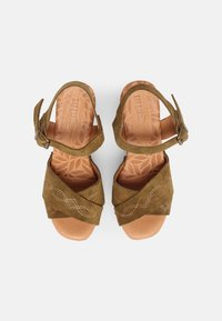 mtng - COYOTE - Clogs - kaky - 4