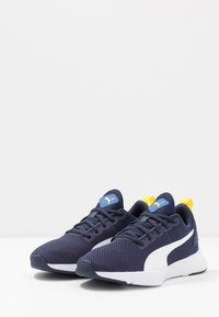 Puma - FLYER RUNNER JR UNISEX - Neutral running shoes - galaxy blue/white/peacoat/meadowlark - 3