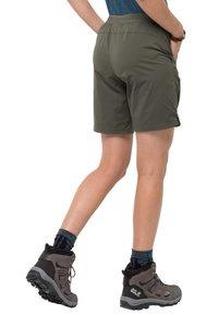Jack Wolfskin - HILLTOP - Outdoor shorts - grape leaf - 1