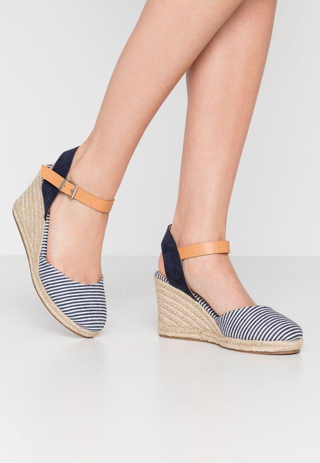 NEW PALMER - Sandály na vysokém podpatku - marino