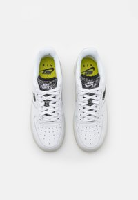 Nike Sportswear - AIR FORCE 1 - Sneakers - white/light bone/black - 5