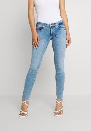 SOPHIE  - Skinny džíny - denim light