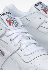 Reebok Classic - WORKOUT PLUS SHOES - Trainers - white - 5
