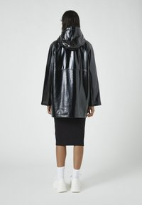 PULL&BEAR - Regenjacke / wasserabweisende Jacke - black - 2