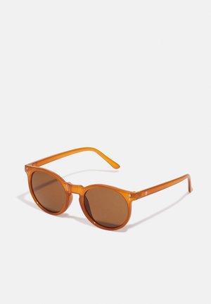 BYRON - Sunglasses - mustrad/brown