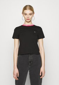 Tommy Jeans - BRANDED TEE - T-shirt con stampa - black - 0