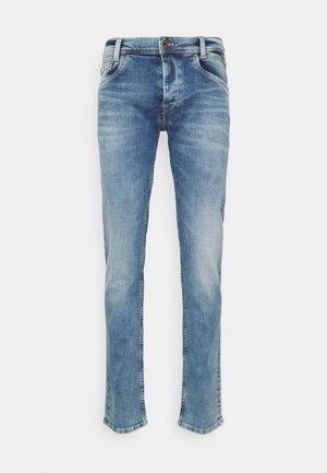 SPIKE WISER WASH - Slim fit jeans - light blue denim