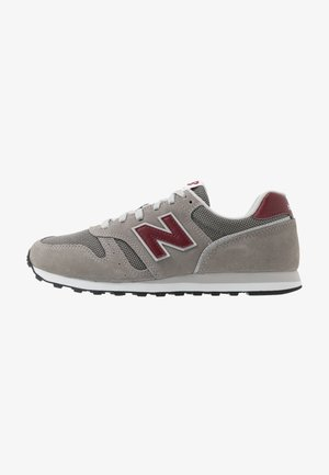 373 - Trainers - grey/red