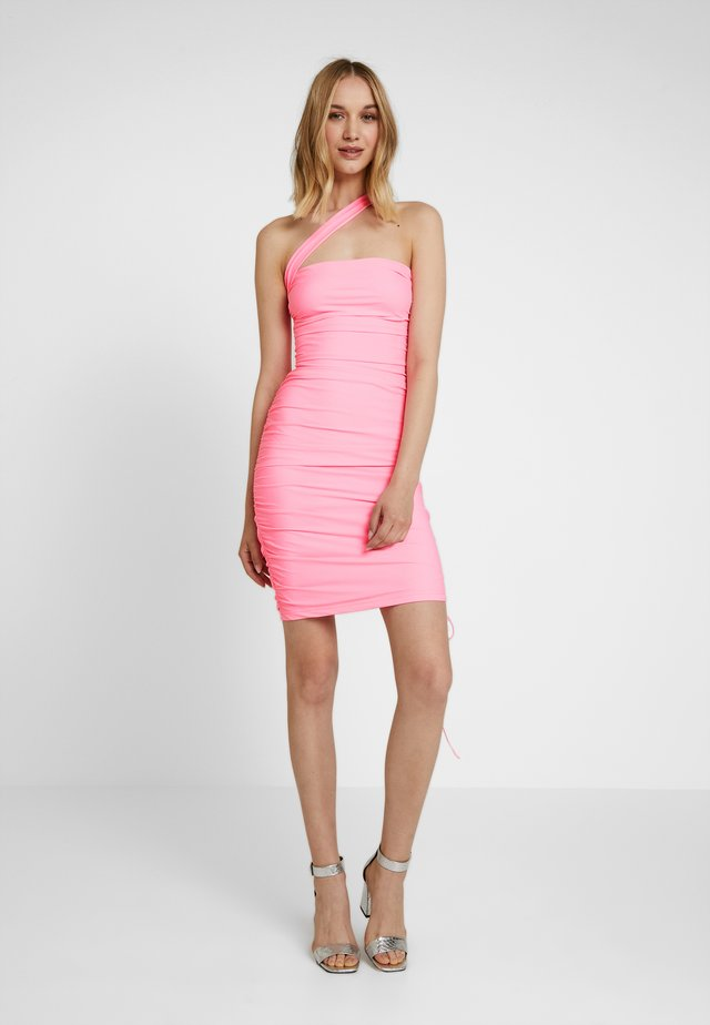 CIERA DRESS - Sukienka etui - pop pink