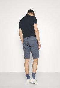 TOM TAILOR DENIM - Shorts - urban medium grey - 2