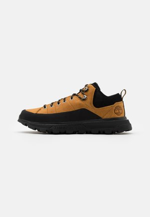 TREELINE LOW - Sportieve veterschoenen - wheat/black
