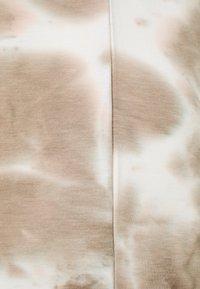 MAMALICIOUS - MLHARMON DRESS - Print T-shirt - smoke gray - 2