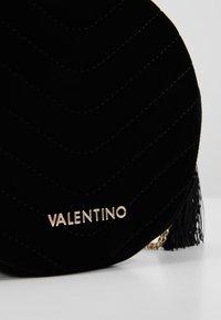 Valentino by Mario Valentino - CARILLON - Across body bag - nero - 4