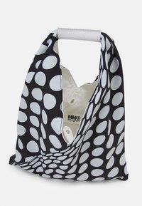 MM6 Maison Margiela - BORSA MANO - Tote bag - black - 2