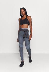 Hummel - SKY HIGH WAIST SEAMLESS - Leggings - black/faded denim - 1