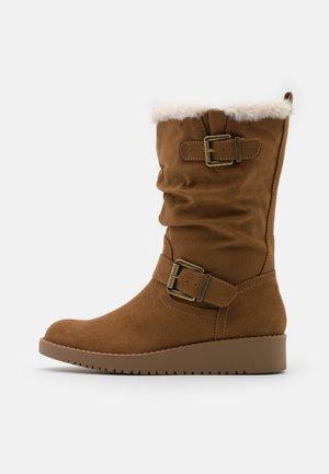 TESSI WEDGE WALKER - Wedge boots - tan
