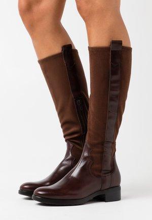 Vysoká obuv - marron