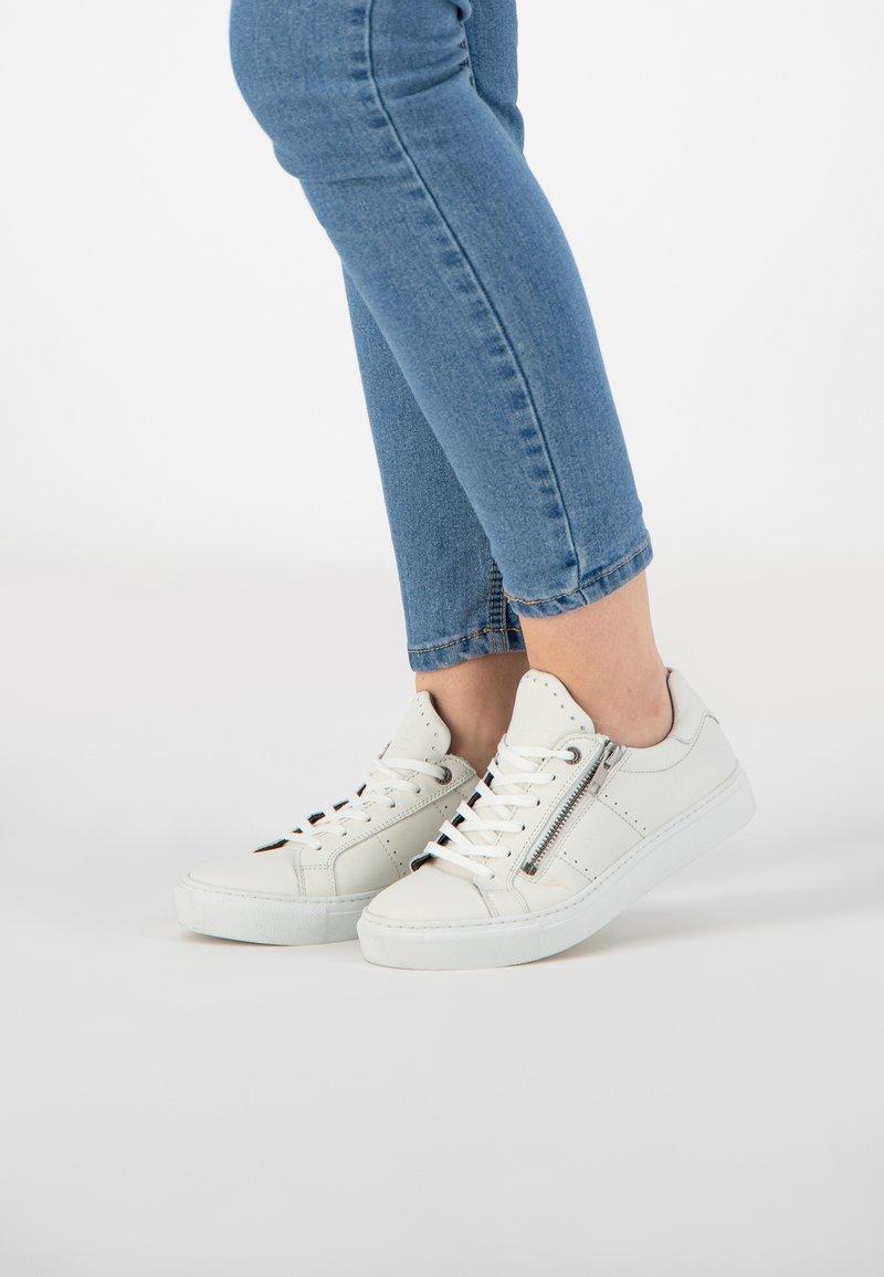 NoGRZ - H.PAESSCHEN - Sneakers laag - white