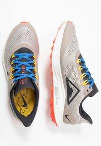 Nike Performance - AIR ZOOM PEGASUS 36 TRAIL - Obuwie do biegania Szlak - pumice/oil grey/pacific blue - 1
