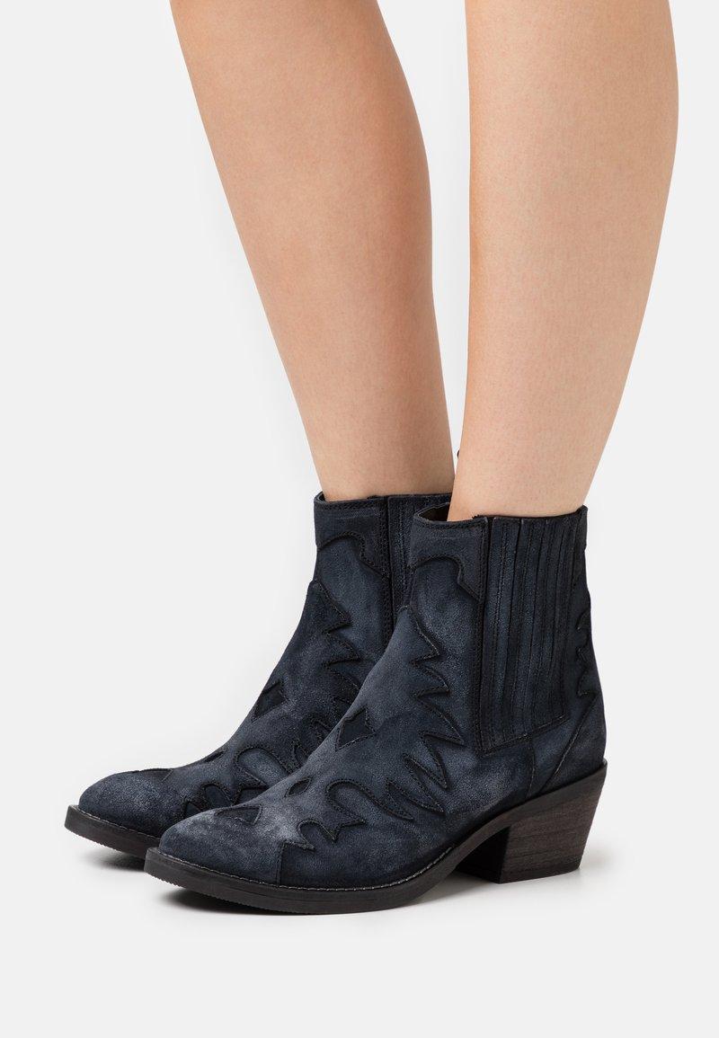 Kanna - Cowboy/biker ankle boot - dark blue