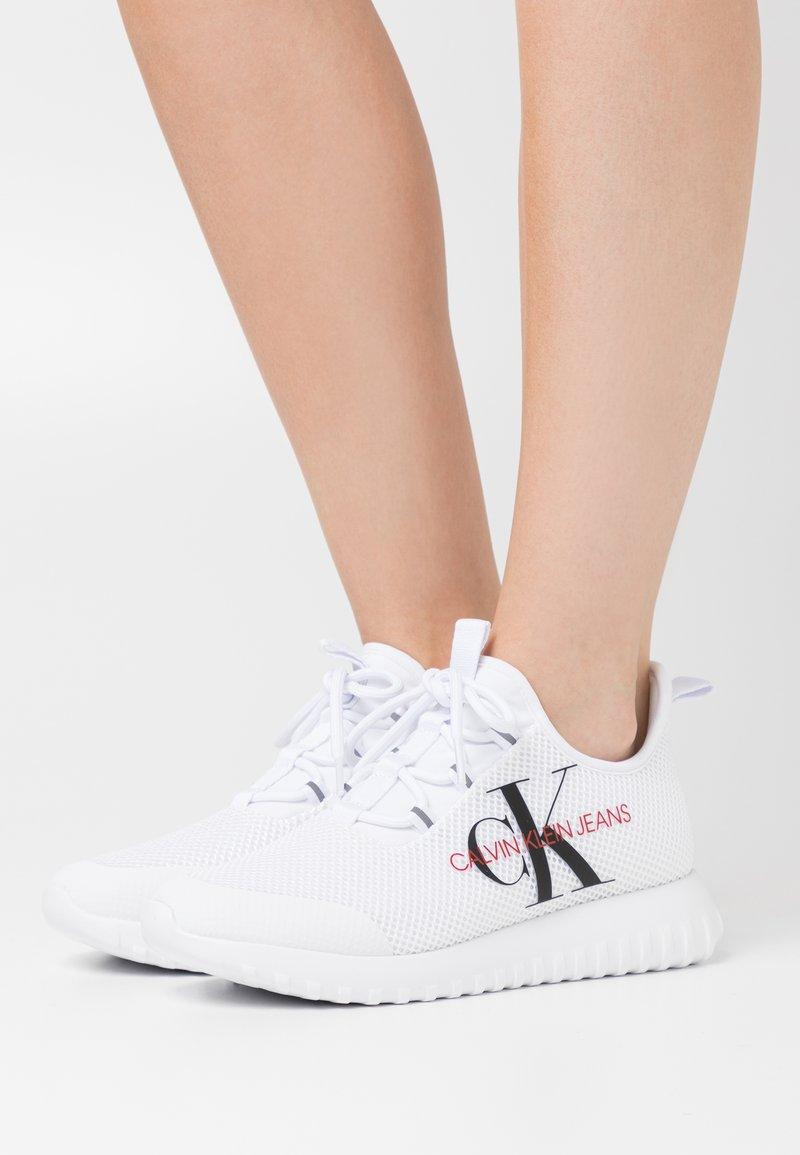 Calvin Klein Jeans - ROSILEE - Zapatillas - white