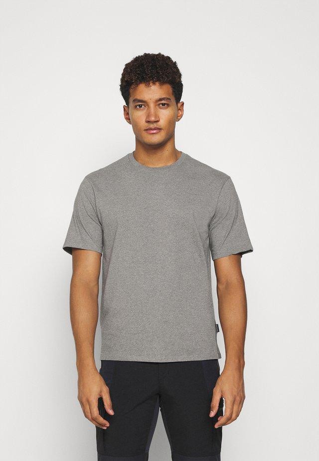 ROAD TO REGENERATIVE LIGHTWEIGHT TEE - T-shirt basic - feather grey