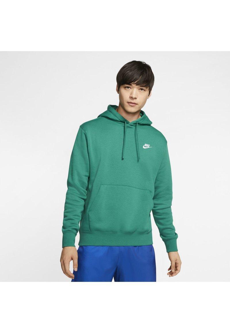 Nike Sportswear - CLUB HOODIE - Hættetrøjer - mystic green/mystic green/white