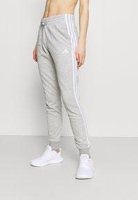 adidas Performance - ESSENTIALS FRENCH TERRY STRIPES PANTS - Pantaloni sportivi - medium grey heather/white - 0