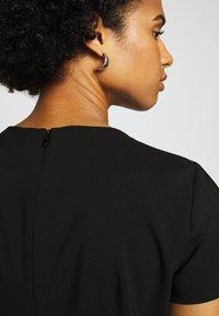HUGO - KILENE - Pouzdrové šaty - black - 3