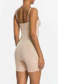 Spanx - Body - soft nude - 1