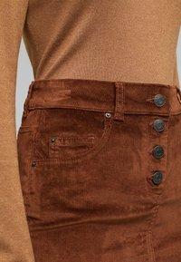 Esprit - PENCIL SKIRT - Pencil skirt - brown - 4