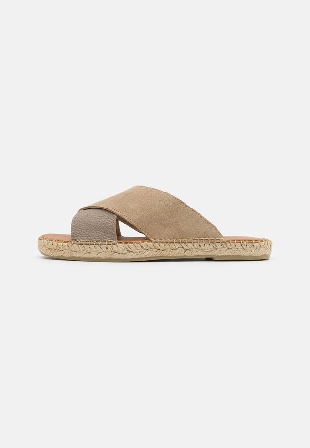 SLHJOSE STRAP - Pantofle - sand