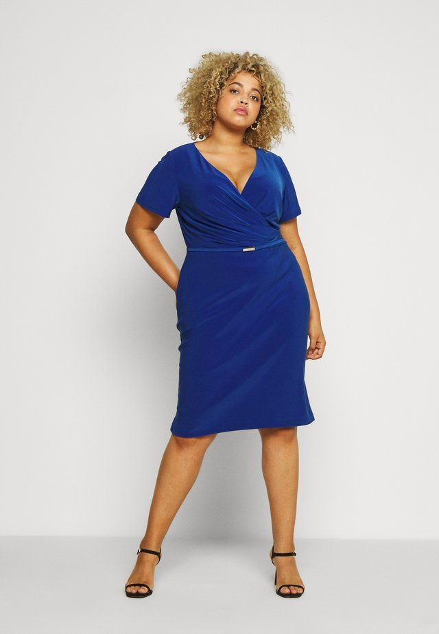 ALEXIE SHORT SLEEVE DAY DRESS - Tubino - summer sapphire