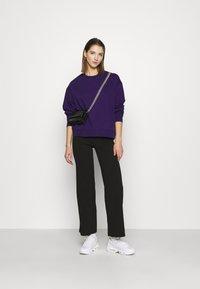 Weekday - HUGE CROPPED - Mikina - purple - 1