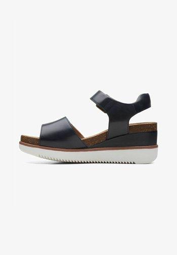 LIZBY STRAP - Sandalias con plataforma - navy leather