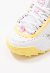Fila - DISRUPTOR CB  - Sneakers laag - white/limelight - 2