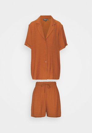PLUNGE SHIRT AND DRAWSTRING PAPERBAG SHORTS SET - Shorts - rust