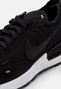 Nike Sportswear - WAFFLE ONE - Tenisky - black/black-white-orange - 7