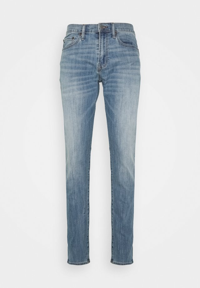 SOFT ASPEN - Jeans Tapered Fit - medium wash