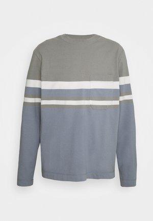 BLOCKED TEE - Long sleeved top - blue/multi