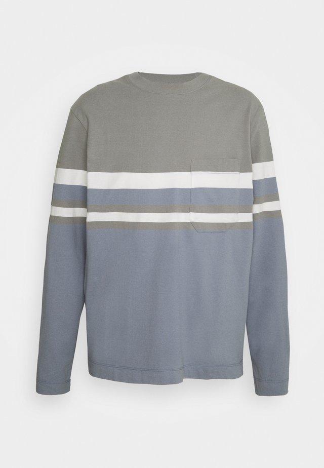 BLOCKED TEE - T-shirt à manches longues - blue/multi