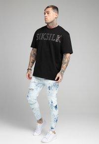 SIKSILK - DISTRESSED ELASTICATED  - Jeans Skinny Fit - blue tie dye - 1